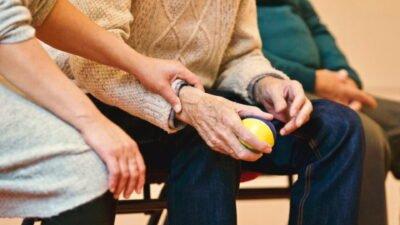 elderly_care.jpg
